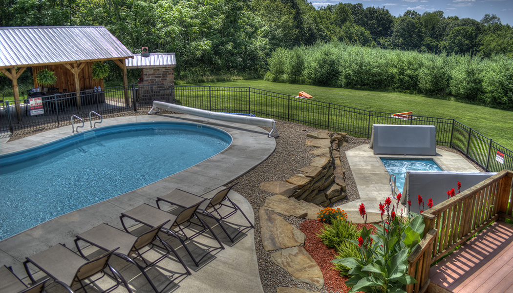 Outdoor Spaces & Grounds Hocking Hills Luxury Lodge and Cabins