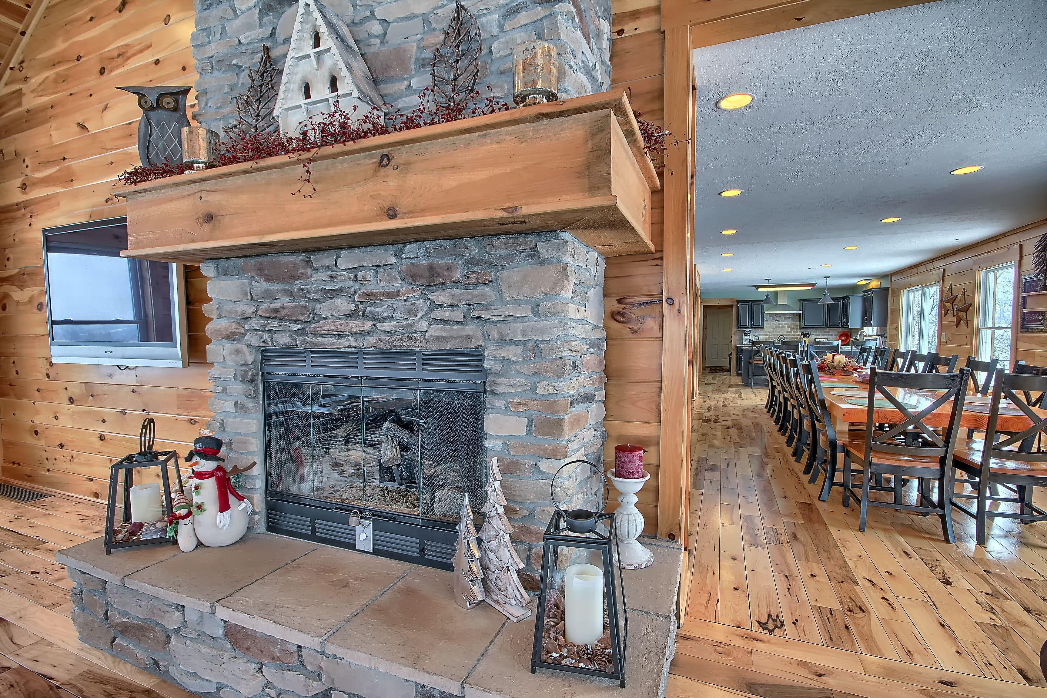 Bourbon Ridge Retreat Luxury Lodge Amp Cabin At Hocking