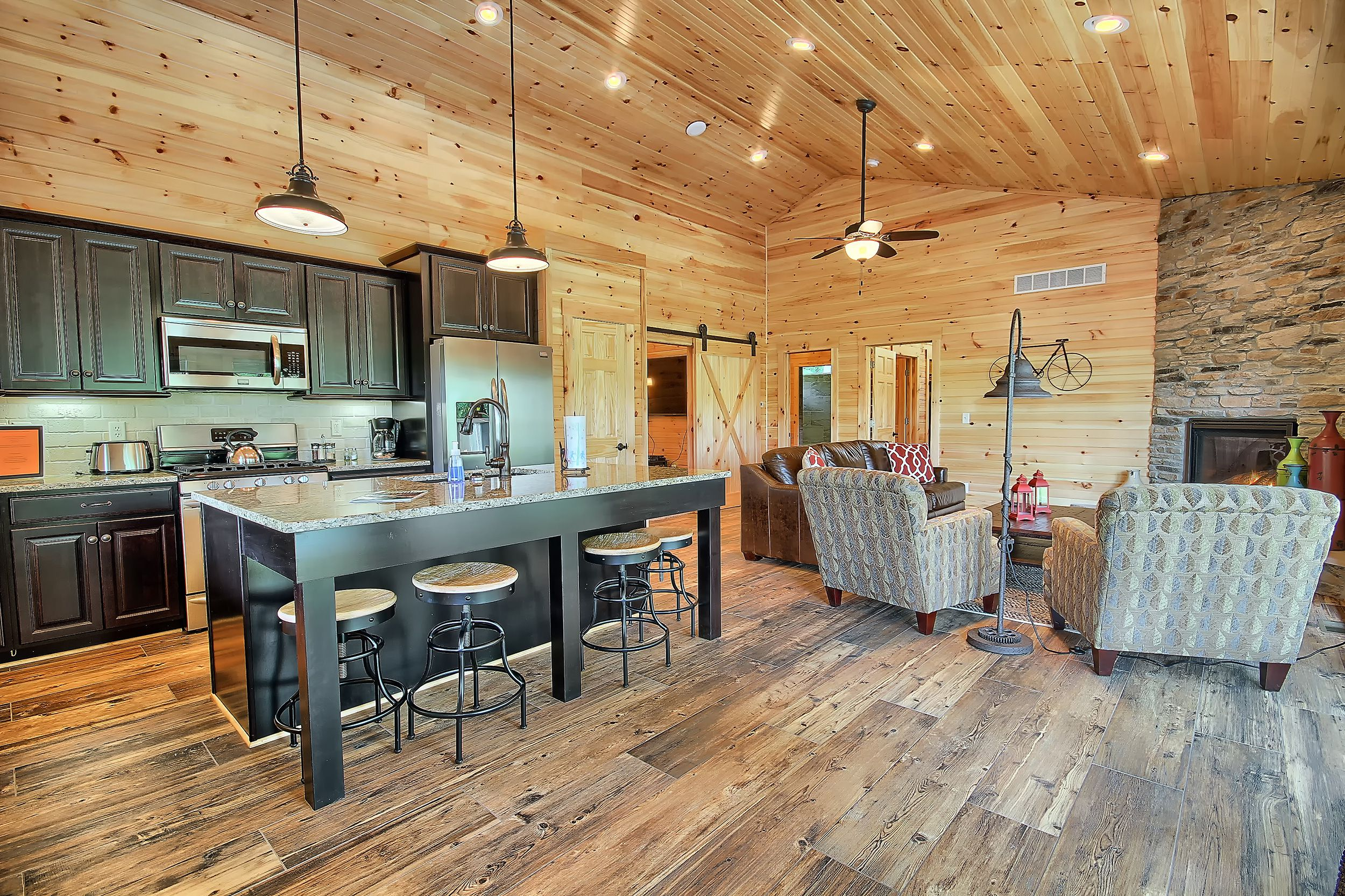 The Woodford Luxury Cabin Bourbon Ridge Retreat