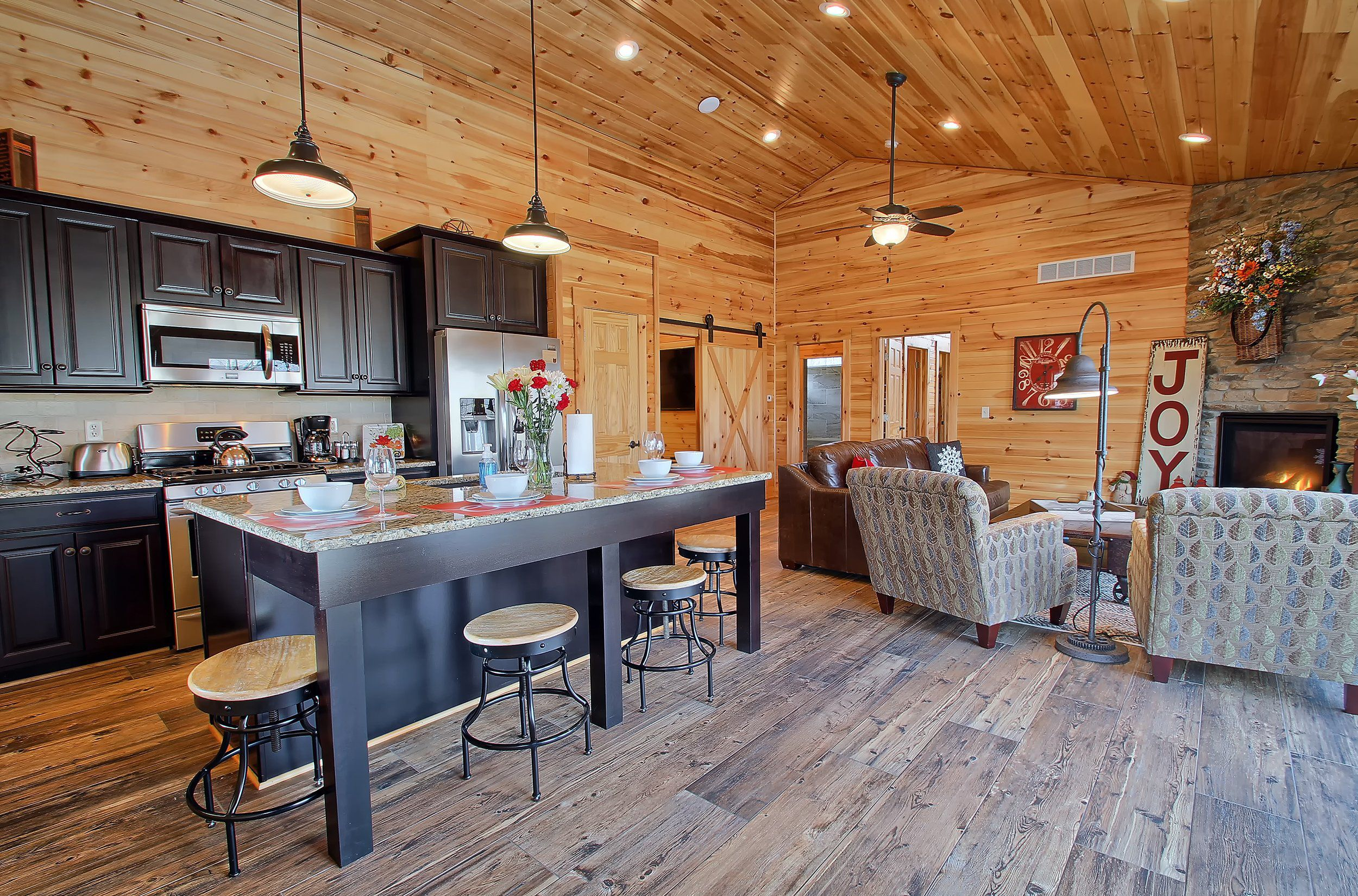 The Bookers Luxury Cabin Hocking Hills Luxury Lodges Amp Cabins